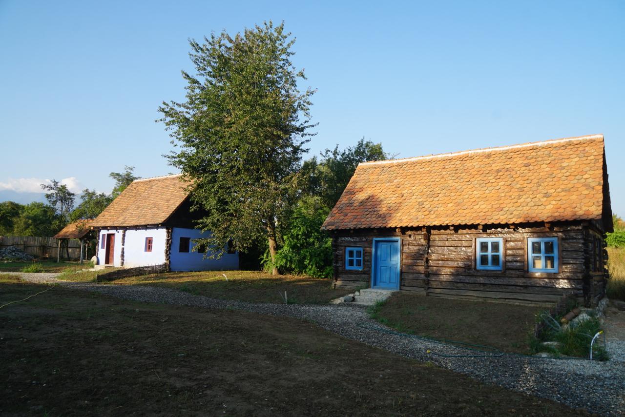 cazare-casuta-traditionala-oberwood-porumbacu-de-sus-2